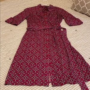 Chic and classy fitted dress. Beautiful fabric.